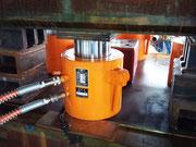 複動型油圧ジャッキ