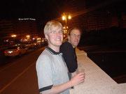 Die Brüder beim Abend Spaziergang