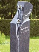 Ein Grabstein ist das steinerne Monument eines bedeutungsvollen Menschen mit einem einzigartigen Lebensweg.