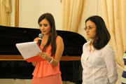 Lucia La Sorsa e la Presentatrice della Serata di beneficenza organizzata dai Leo Club di Taranto