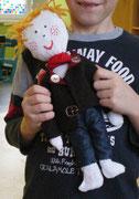die Puppe hat dieser 2. Klasser alleine gemacht!!!