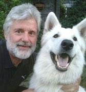 Werner, aktiv bei der Spendenannahme, Futterauslieferung und am Infostand