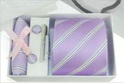 Krawatten Geschenkset, bestehend aus Einstecktuch,Manschettenknoepfe und Krawattennadel