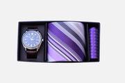 Geschenkset bestehen aus Krawatte nach Ihrer Wahl, Einstecktuch und einer hochwertigen Uhr