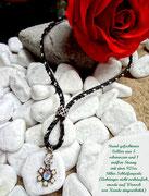 Rund geflochtenes Collier mit Schleifen-Perle aus 925er Silber und Kundeneigenem Anhänger