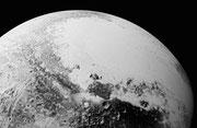 Plaine Spoutnik prise à 1800 km de distance par New Horizons le 14 juillet 2015 !