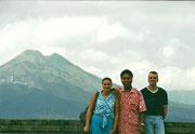 Delante del Monte Batur