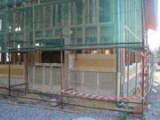façade Est : les bottes montent jusque sous la fenêtre du bureau