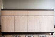 buffet bicolore 4 portes-2 doubles tiroirs - patine naturelle suie et kaolin