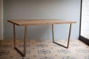 table de salle à manger plateau bois patiné-pieds métal patiné - patine naturelle suie et kaolin