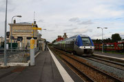 Villers-Cotterêts. 21 septembre 2015. B 82457-82458. Train 849934 Laon - Paris-Nord. Cliché Pierre BAZIN