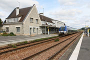 Soissons. 21 septembre 2015. X 76751-76752. Train 849921 Paris-Nord - Laon. Cliché Pierre BAZIN
