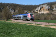 Saint-Moré. 7 avril 2015. B 81519-81520. Train 891157 Paris-Bercy - Avallon. Cliché Pierre BAZIN