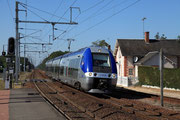 Gièvres. 1er octobre 2011. Z 27835-27836. Train 860810 Tours - Bourges. Cliché Pierre BAZIN