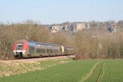 Saint-Moré. 13 mars 2007. B 81573-81574 + 81547-81548. Train 891156 Avallon - Paris-Bercy. Cliché Pierre BAZIN