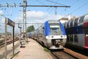 Laroche-Migennes. 23 mai 2006. B 81509-81510 + 81577-81578. Train 981153 Paris-Bercy - Auxerre-Saint-Gervais. Cliché Pierre BAZIN