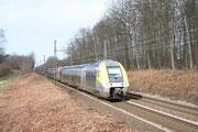 Forêt de Fontainebleau (Plaine de Bois-le-Roi). 11 février 2007. B 81500. Train 891156 Auxerre-Saint-Gervais - Paris-Bercy. Cliché Pierre BAZIN