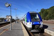 Longueville. 20 septembre 2010. B 82533-82534 + 82539-82540. Train 117570 Provins - Paris-Est. Cliché Pierre BAZIN