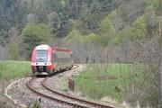 La Bastide-Saint-Laurent-les-Bains. 6 mai 2008. B 81533-81534. Train 877706 Nîmes - Mende. Cliché Pierre BAZIN