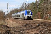 Forêt de Fontainebleau. 22 mars 2010. B 81577-81578. Train 891159 Paris-Bercy - Auxerre-Saint-Gervais. Cliché Pierre BAZIN
