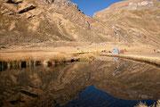 Spiegelung an der Laguna Jahuacocha, Cordillera Huayhuash
