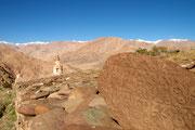 Manisteine an Klostermauer in Hemis