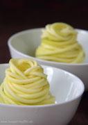 Zudeln aus geschälten Zucchini sehen herkömmlichen Nudeln zum verwechseln ähnlich!