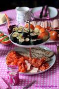 Rohkost Sushi, Makrele, Forelle und gebeizter Lachs