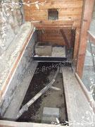 Oben das Schutzhaus, über eine Rampe zu erreichen. Dieser Teil kann abgetrennt werden, ist mit einer Rampe mit dem Rest verbunden.