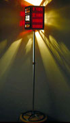 """2001 """"DESSAI"""" Una serie di targhe in plexiglass utilizzate nei vecchi cinema,ha innescato la costruzione di questa simpatica lampada a stelo per cinefili. Ne esistono attualmente ben sette esemplari (un record nel mio caso) ovviamente non identici."""