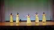 黄色のドレスでオアフ島の曲、カネオヘフラ