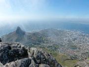 Blick vom Tafelberg auf den Löwenkopf