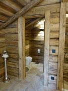 Toilette im oberen Schlafzimmer