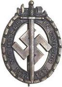 Za uczestnictwo w tzw. Wojnie pod Coburgiem 14-15 października 1922 roku pomiędzy nazistami a socjalistami