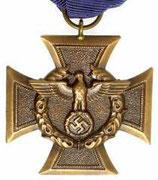 Odznaczenia dla policji złota za 25 lat służby dodatkowo liście dębu za lat 40