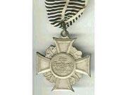 krzyż za zasługi dla ruchu weteranów wojny- fur Verdienst im Kriegervereins-Wesen wytwórca H. TIMM BERLIN Odznaczenie to przyznawane było przez Kyffhauser-Bund po zakończeniu I wojny światowej nie było to jednak odznaczenie państwowe