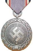 Odznaka obrony cywilnej 2 klasy - Dostepne były 1 i 2 klasa , dostawało go się za 4 lata służby w oddziałach mundurowych lub 8 lat w służbach cywilnych