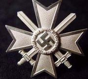 KVK I klasy z mieczami- Kvk pierwszej klasy z mieczami,  odznaczenie cywilne i wojskowe za udzielanie się w partii Nsdap i działalność dla dobra III Rzeszy
