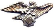 RLB - skrót oznacza Reichs Luft Bund - organizacja paramilitarna wspomagająca wojskową obronę    przeciwlotniczą.