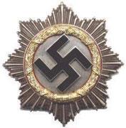 Krzyż niemiecki z diamentami. Przyznawany od 1942 roku Dla posiadaczy EK 1 klasy,i posiadaczy złotego krzyża niemieckiego , za szczególne akty odwagi. Projekt prof. Klein