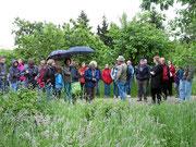 Trotz regnerischem Wetter und früher Morgenstunde kamen viele zur Vogelstimmenwanderung © Jörg Pape