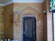 фреска над дверью