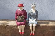 2 Damen mit Hut