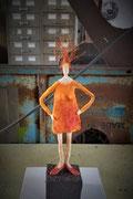 Frau in orange