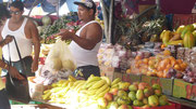 Händler halten ihre Waren bereit