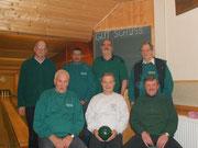 Und kegeln gehen die Schützen seit 25 Jahren auch noch: Günter Millbrett, Hans-Peter Bings, Horst Sokolowsky, Bernd Deuter, Manfred Kehr, Helmut Eschweiler, Ernst Bartels.