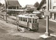 Be 2/2 8 + Be 273 17 im Bahnhof Villars, 1974