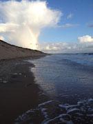 Balade sur la plage les pieds dans l'eau à tout heure...