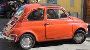 ein alter Fiat 500