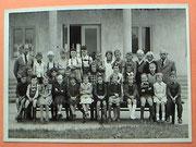Volksschule, mittlere Reihe 3. von links